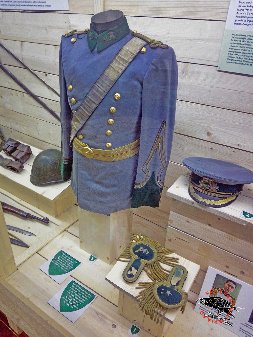 Romanian Mountain Troops Uniform
