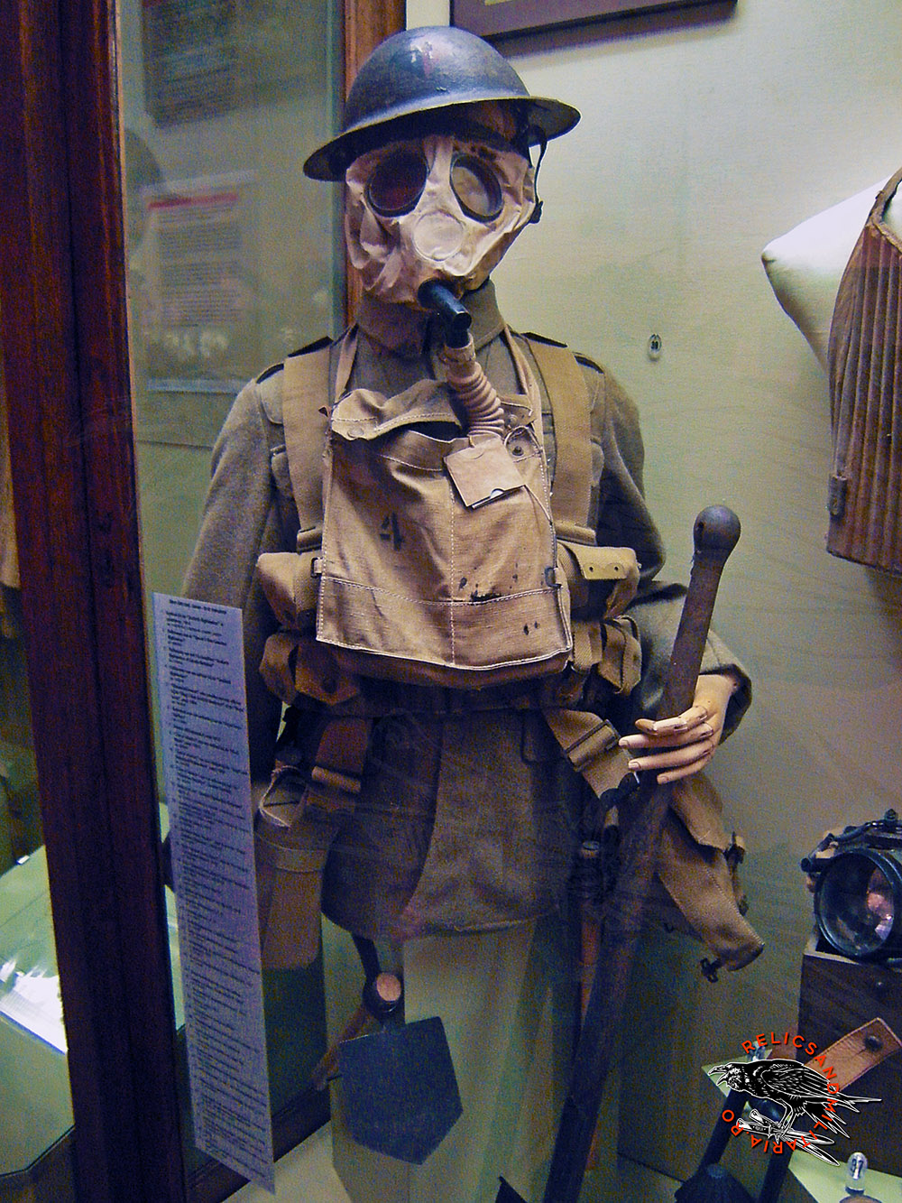 ww1 soldier uniform with gas mask