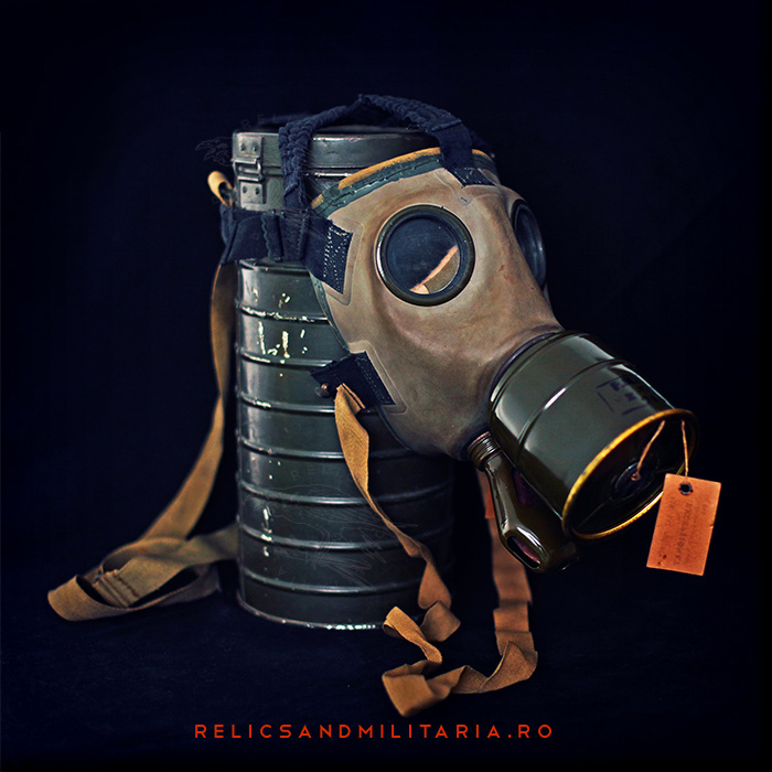 Romanian civil ww2 gas mask