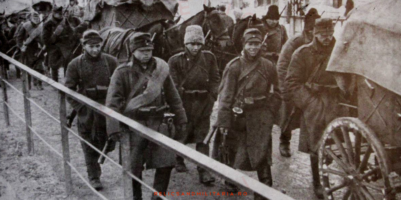 Romanian soldiers with german canteen