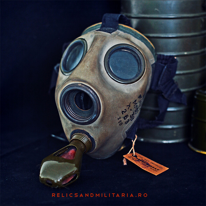 Romanian md35 gas mask