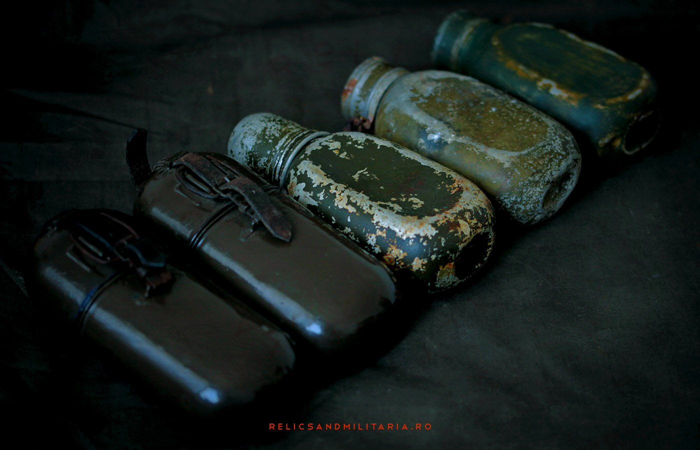 Romanian Army ww2 militaria water bottles canteen types
