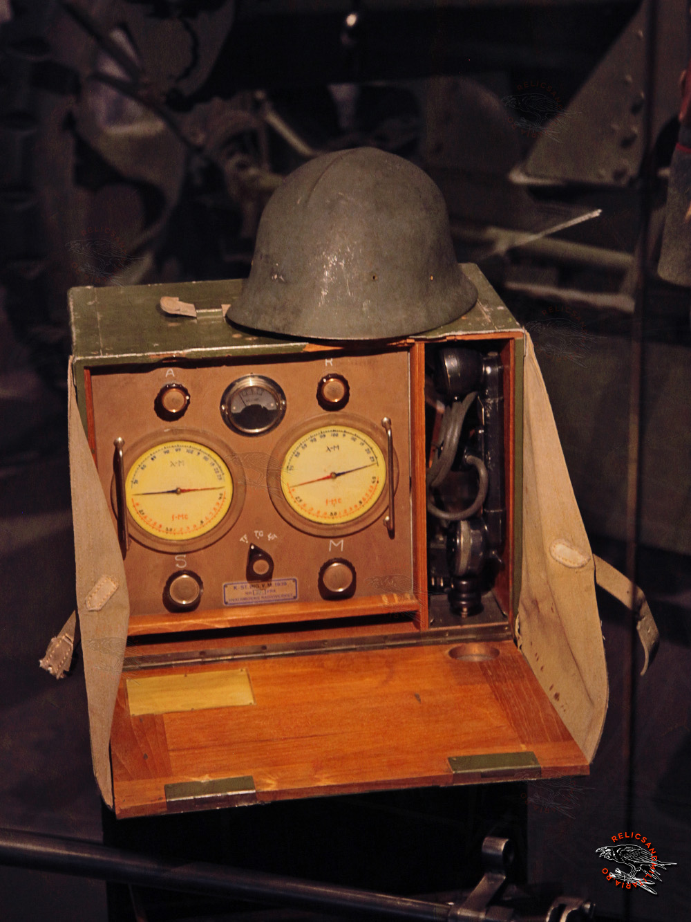 15 WW2 Norway Army helmet and radio