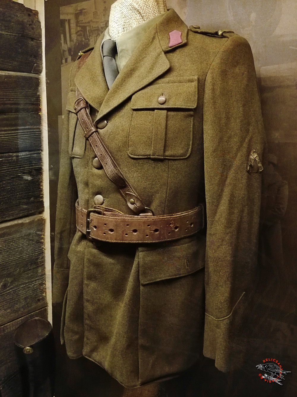 16 Romanian officer WW2 uniform with chevron for wounded