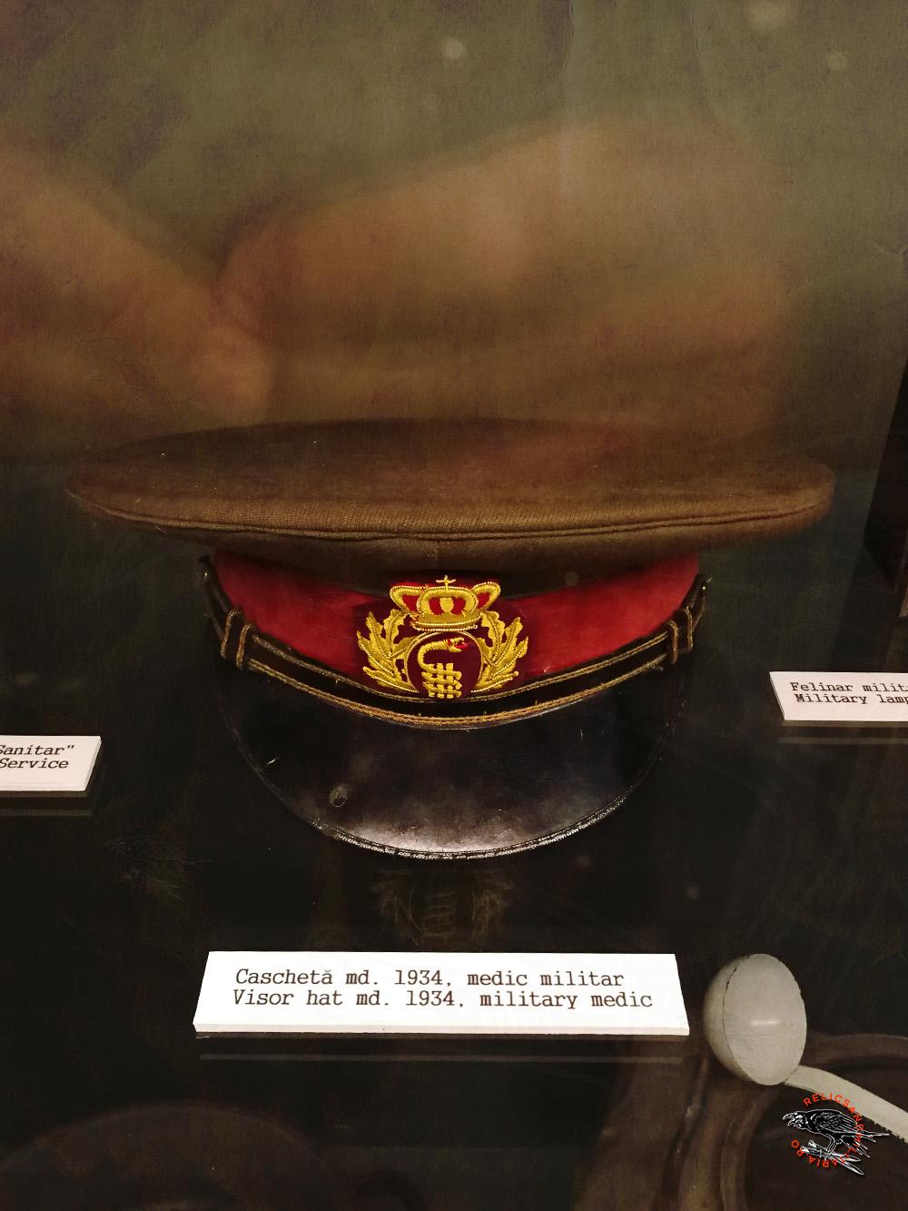 4 Romanian Military Medic Officer WW2 - visor hat, model 1934