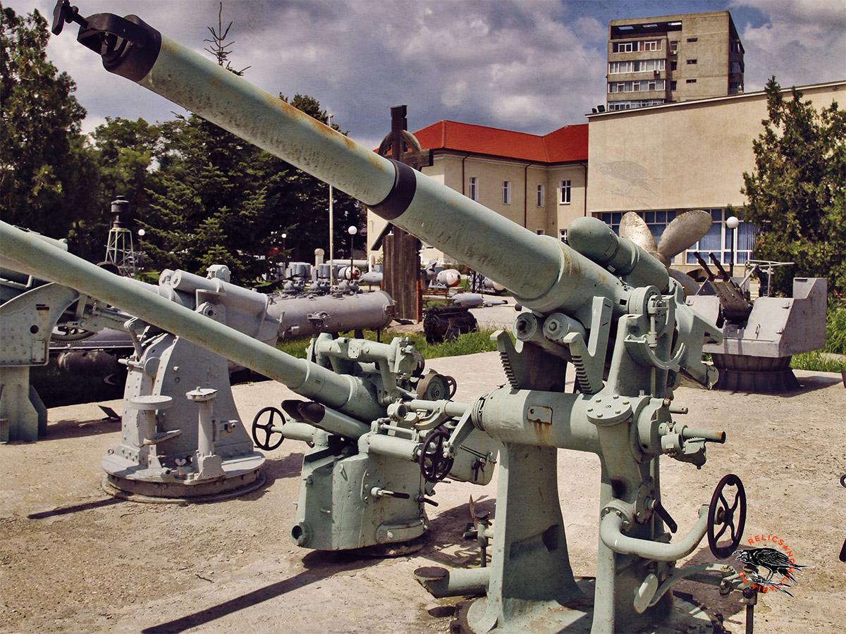Bofors 102 mm gun