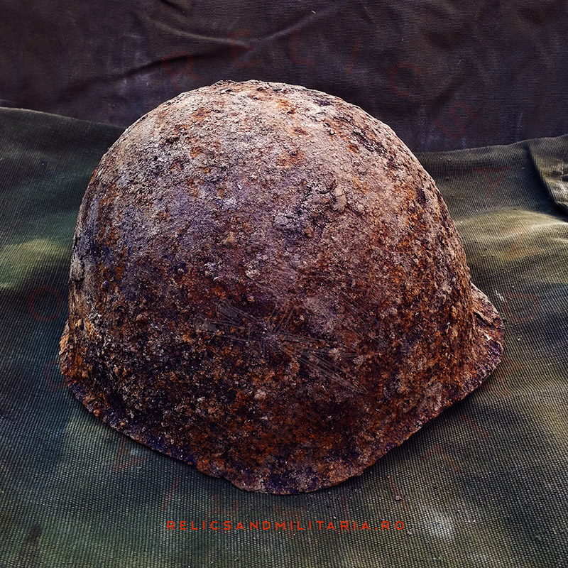 Cleaning rust from relic helmet