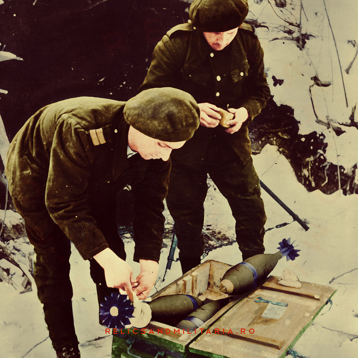 Romanian Mountain Hunters prepare mortar rounds WW2