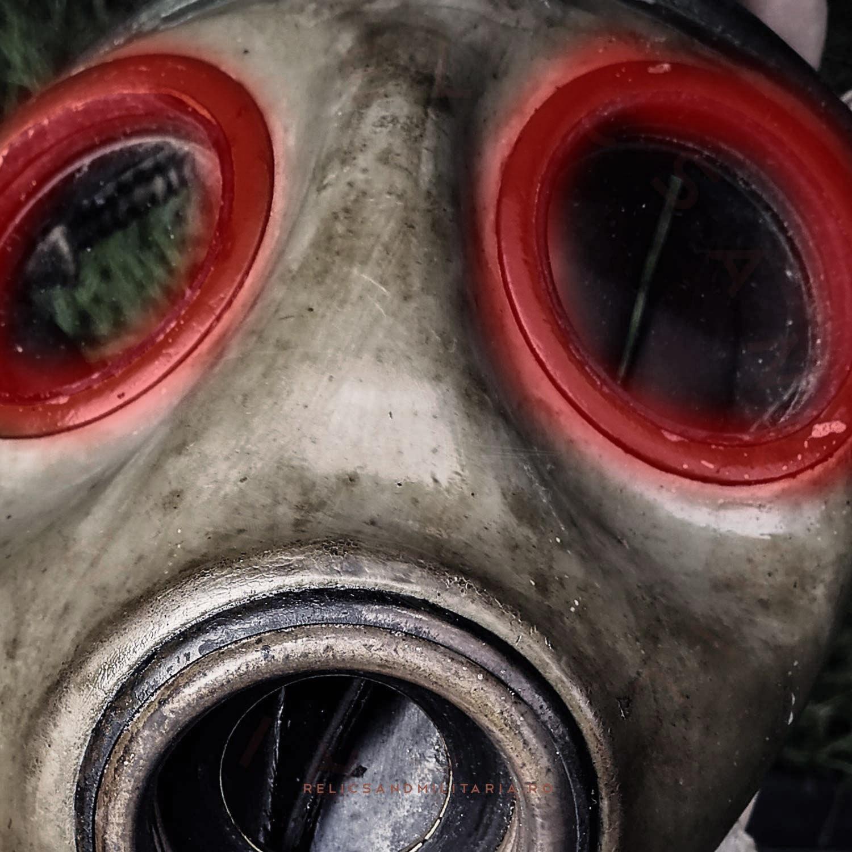 Romanian ww2 gas mask relic