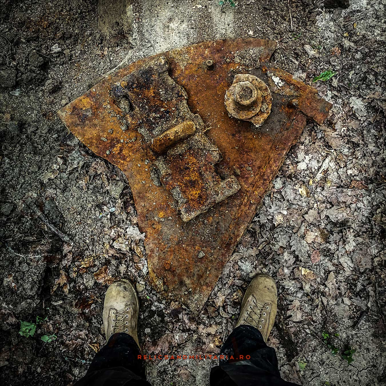 T-34 Russian Tank armour and track link Metal detecting in Romania ww2 battlefields